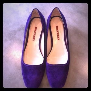 The Most Gorgeous Purple Suede Prada wedges